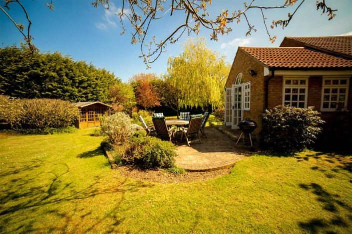 Cottage Needingworth - garden with patio