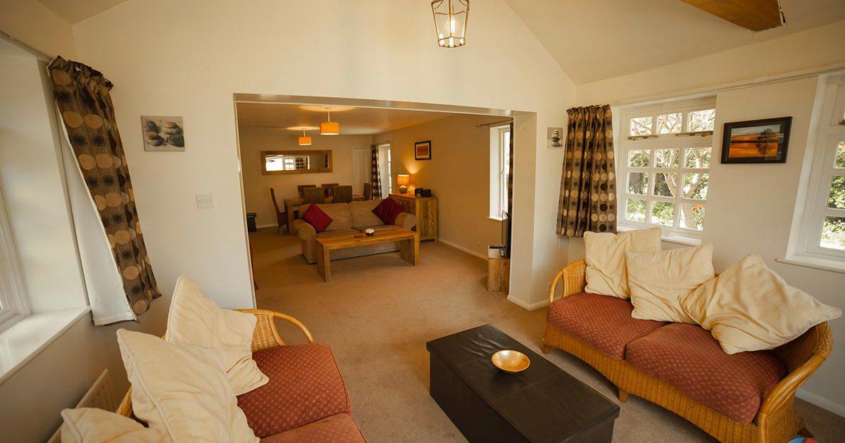 The Cottage Needingworth - sun lounge area