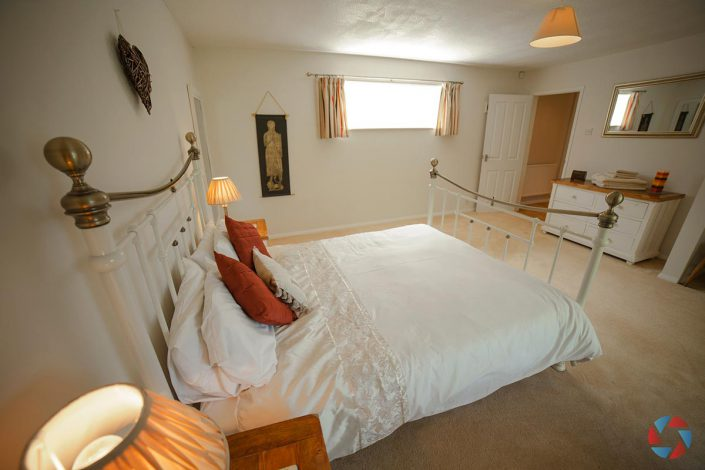 The Cottage Needingworth - master bedroom
